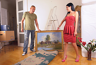 Jessica Swan repays painter with sexual favours