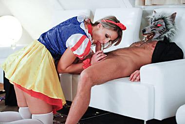 Snow white gets fukced