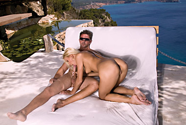 Blonde chick in Ibiza and very horny